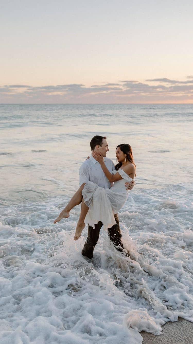 Ideas para fotos que debes intentar en tu boda - Una escapada en la playa
